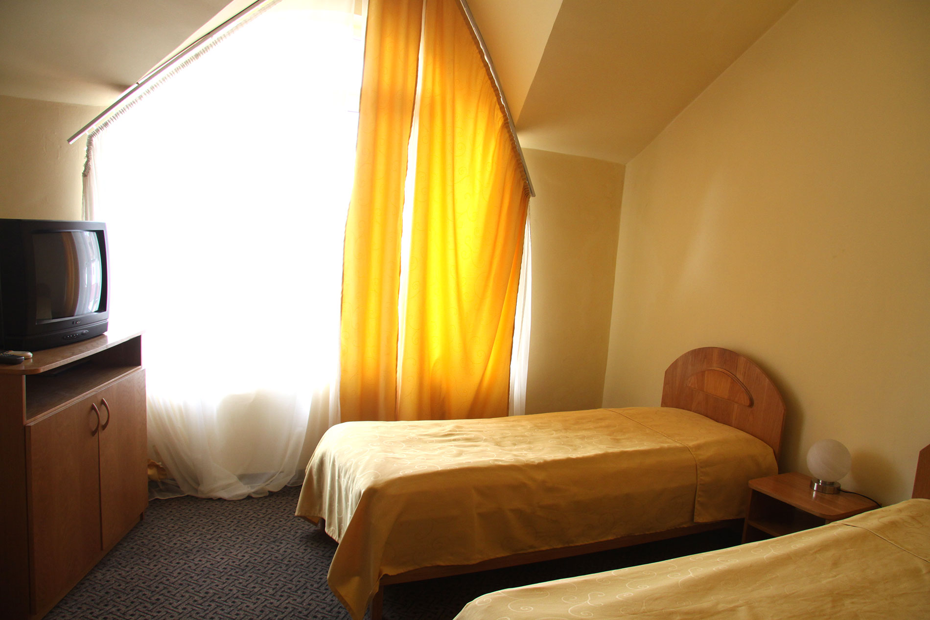 camera-hotel-corola-oradea-cazare-oradea-1