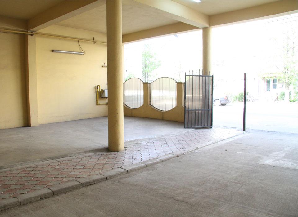 parcare-interioara-hotel-corola