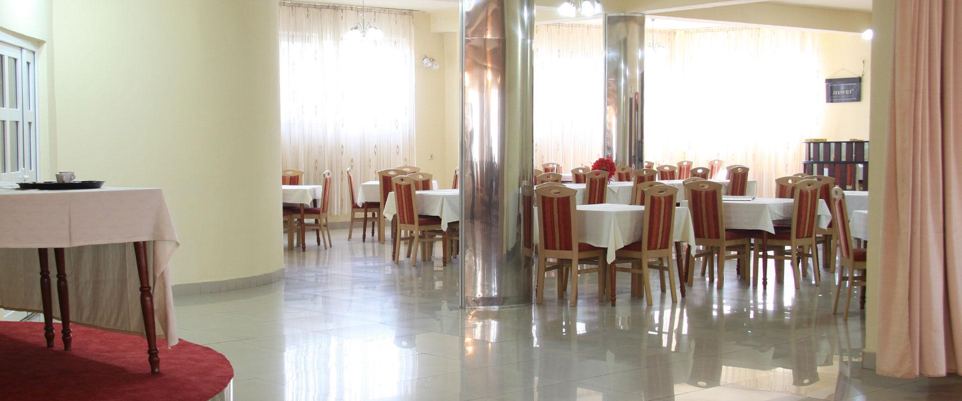 poza-hotel-corola-receptie-slider-3